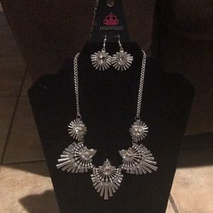 Paparazzi necklace and earring set